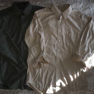 Two very nice men's button down shirts 👔
